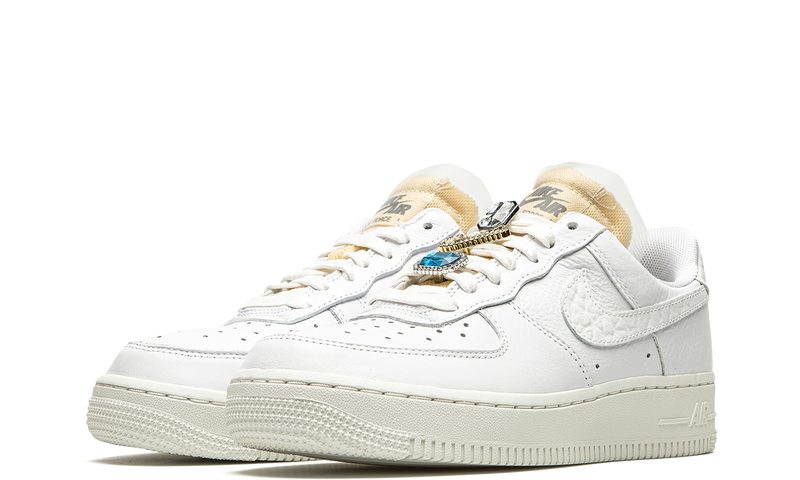 cz8101-100-nike-air-force-1-07-lx-bling-white-onyx-sneakers-heat-2