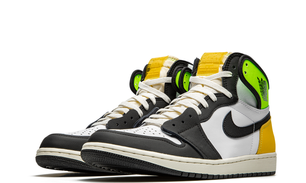555088-118-nike-air-jordan-1-volt-gold-sneakers-heat-2
