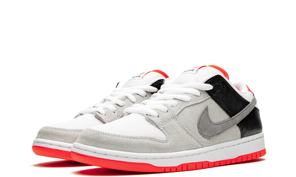 cd2563-004-nike-dunk-low-sb-infrared-sneakers-heat-2