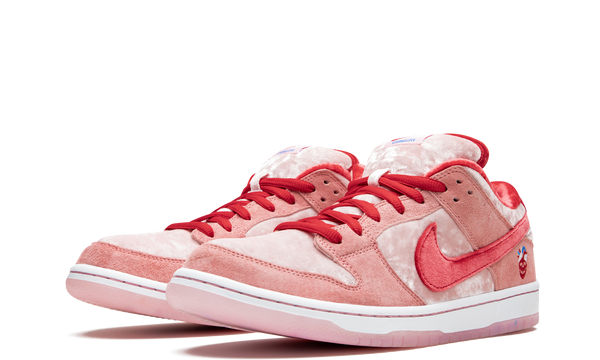 ct2552-800-nike-dunk-low-sb-strangelove-skateboard-sneakers-heat-2