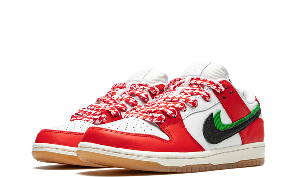 ct2550-600-nike-dunk-sb-low-frame-skate-habibi-sneakers-heat-2