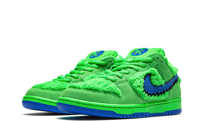 cj5378-300-nike-dunk-sb-low-grateful-dead-bears-green-sneakers-heat-2