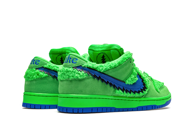 nike-dunk-sb-low-grateful-dead-bears-green-cj5378-300-sneakers-heat-3