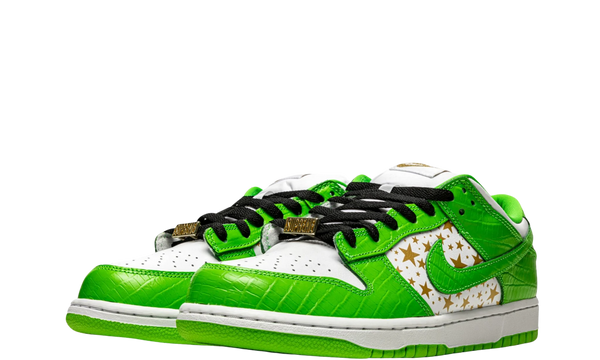 dh3228-101-nike-dunk-sb-low-supreme-mean-green-seakers-heat-2