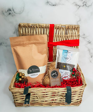 Christmas Hamper With Chocolate Or Vanilla Sponge Baking Mix