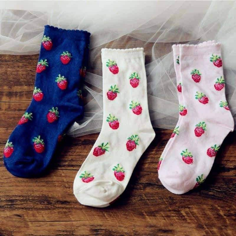 [leggycozy] Cute Strawberry Pattern Cotton Socks