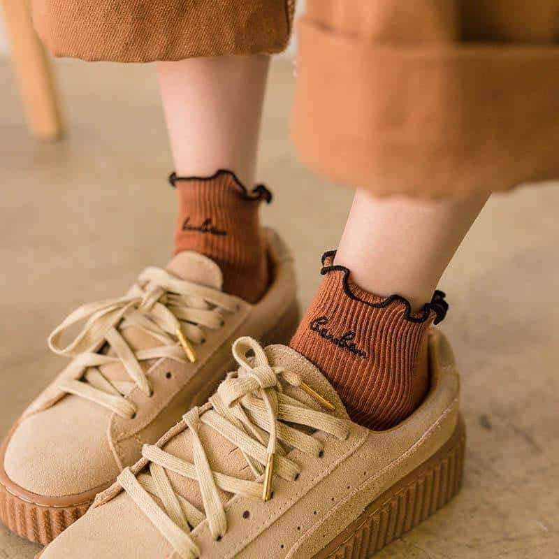 [leggycozy] Harajuku Edge Embroidery Letters Cotton Ruffle Socks