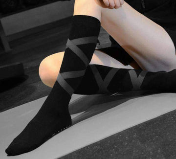 [leggycozy] High Quality Ant-Skid Wear-Resistant Pilates Yoga Floor Socks with Strap