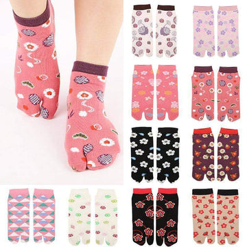 [leggycozy] High Quality Cute Floral Pattern Two Finger Cotton Ankle Socks