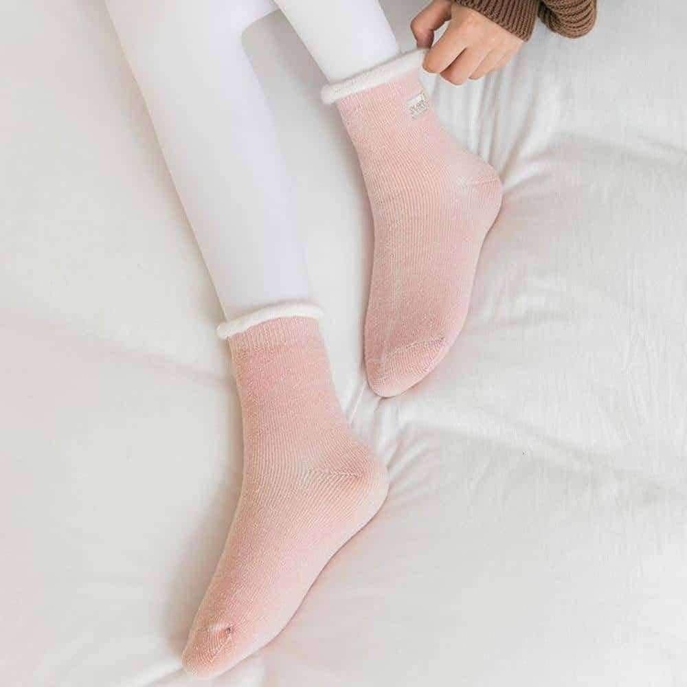 [leggycozy] Japanese Winter Ruffled Thick Brushed Letters Embroidery Socks