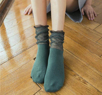 [leggycozy] Korean Elegant Glitter Frilly Ruffle Lace Transparent Socks