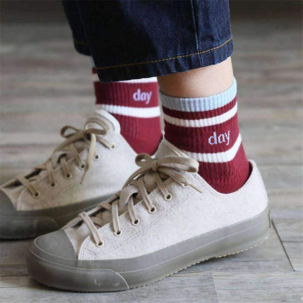 leggycozy socks [leggycozy] Korean Style Two Stripes Day Dream Letter Cotton Socks
