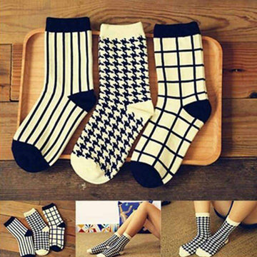 [leggycozy] Unisex Stylish Stripe & Houndtooth Pattern Socks