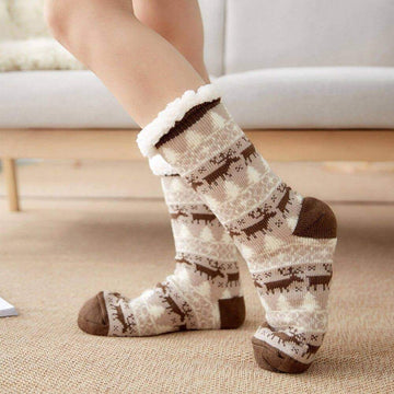 [leggycozy] Winter Christmas Elk Pattern Velvet Non-slip Carpet Fluffy Socks