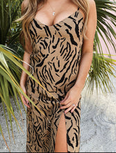 Load image into Gallery viewer, Tiger dress