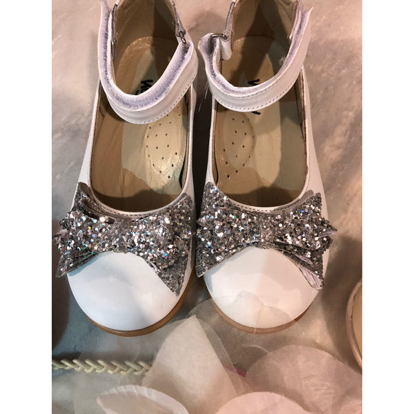 CLARA LEATHER SHOES - WHITE & SILVER