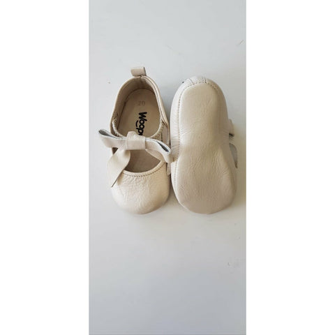 ROSEBUD LEATHER SHOES - PEARL BEIGE