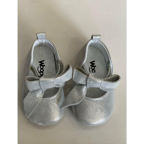 ROSEBUD LEATHER SHOES - SILVER