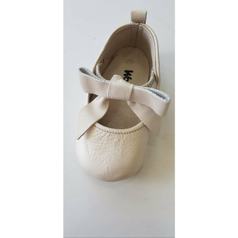 Woopy Leather Rosebud Shoes Pearl Beige