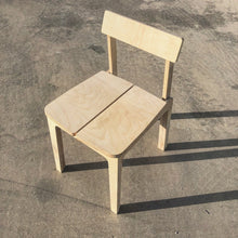 Load image into Gallery viewer, Landa Chair