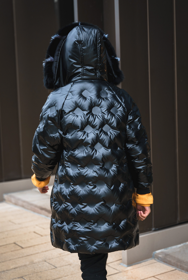 BLACK QUILTED PUFFER COAT WITH FAUX FUR HOOD