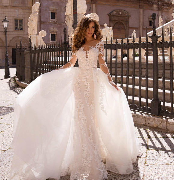 Long Wedding Dress  V-neck Long Sleeves Appliques Tulle Bride Gowns