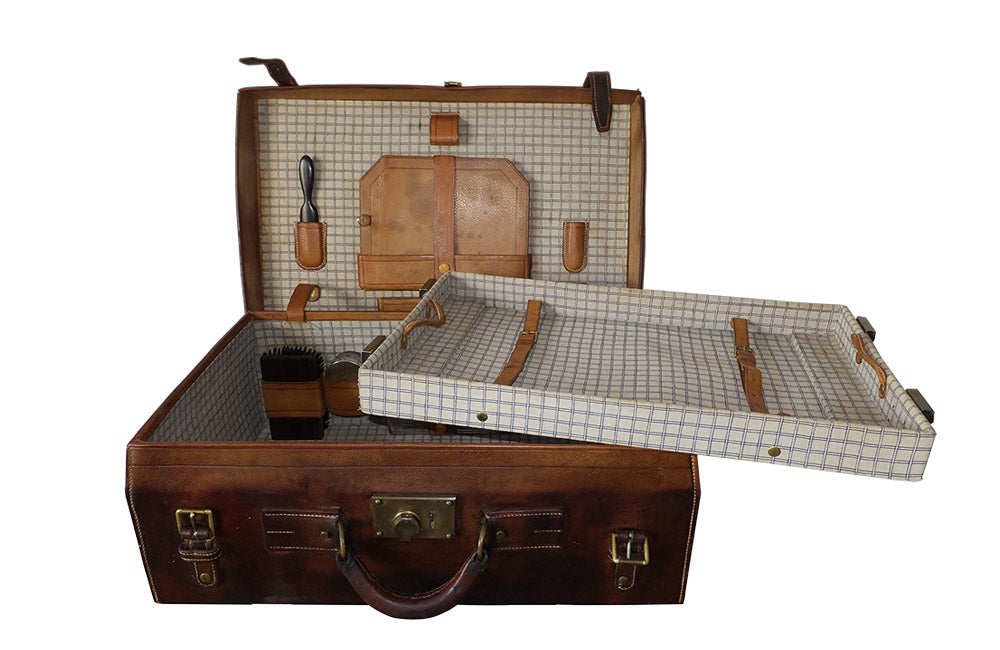 GENTLEMAN'S LEATHER VANITY CASE
