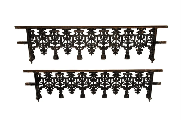 19TH CENTURY IRON  'FRISES DE FENETRE'