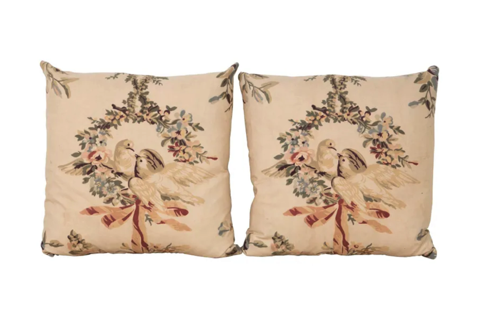 PAIR OF KISSING DOVES CUSHIONS