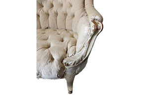 LAMBREQUIN TUFTED ARMCHAIR