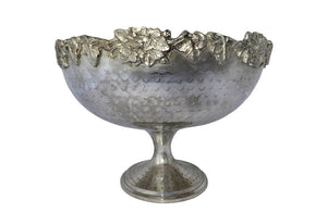 HAMMERED SILVER PLATE VASQUE