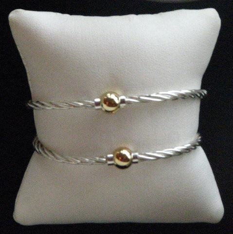 Two Tone Single Ball Twisted Bracelet