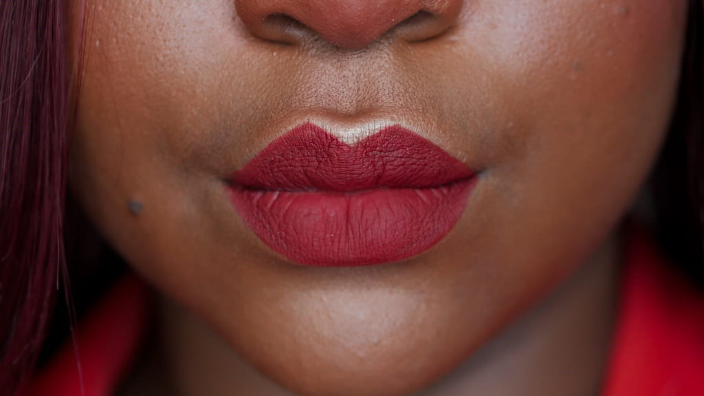 How_To_Use_Cosmetic_Emulsion_Lips
