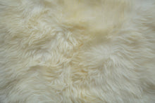 Load image into Gallery viewer, Natural Sheepskin Area Rug 6'x9'