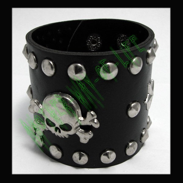 Bracelet with Skulls and beaks round Another Way of Life