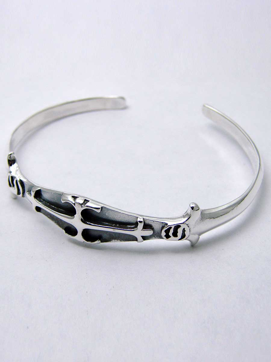 Gothic bangle bracelet in sterling silver with a cross - Another Way of Life