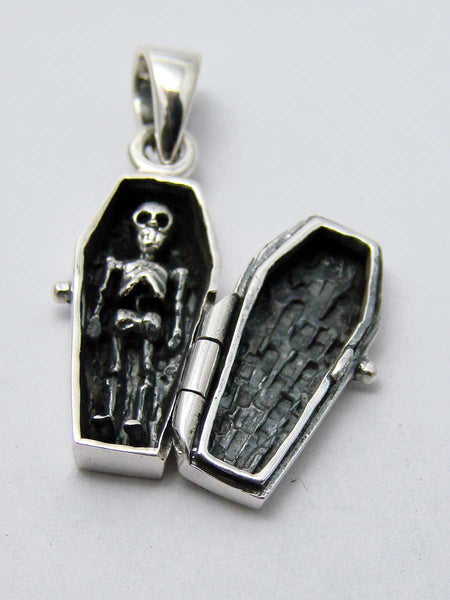 Coffin pendant in 925 silver with skeleton insideAnother Way of Life