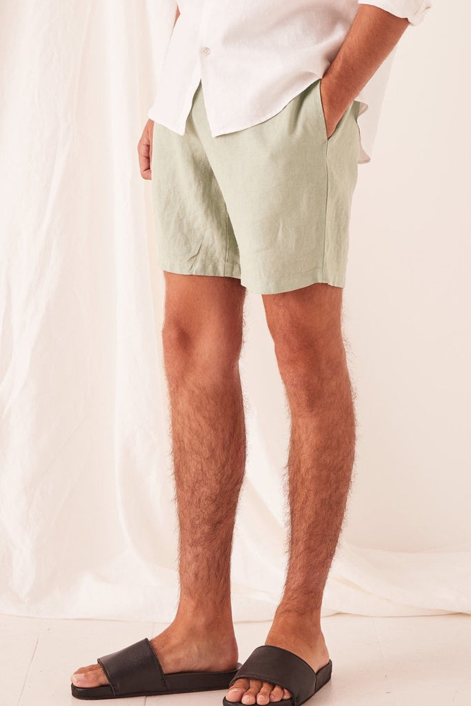 Assembly Transition Short Soft Green