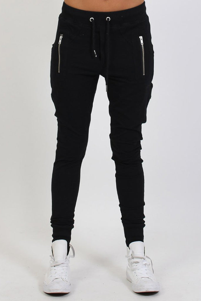 Federation Escape Trackies Black
