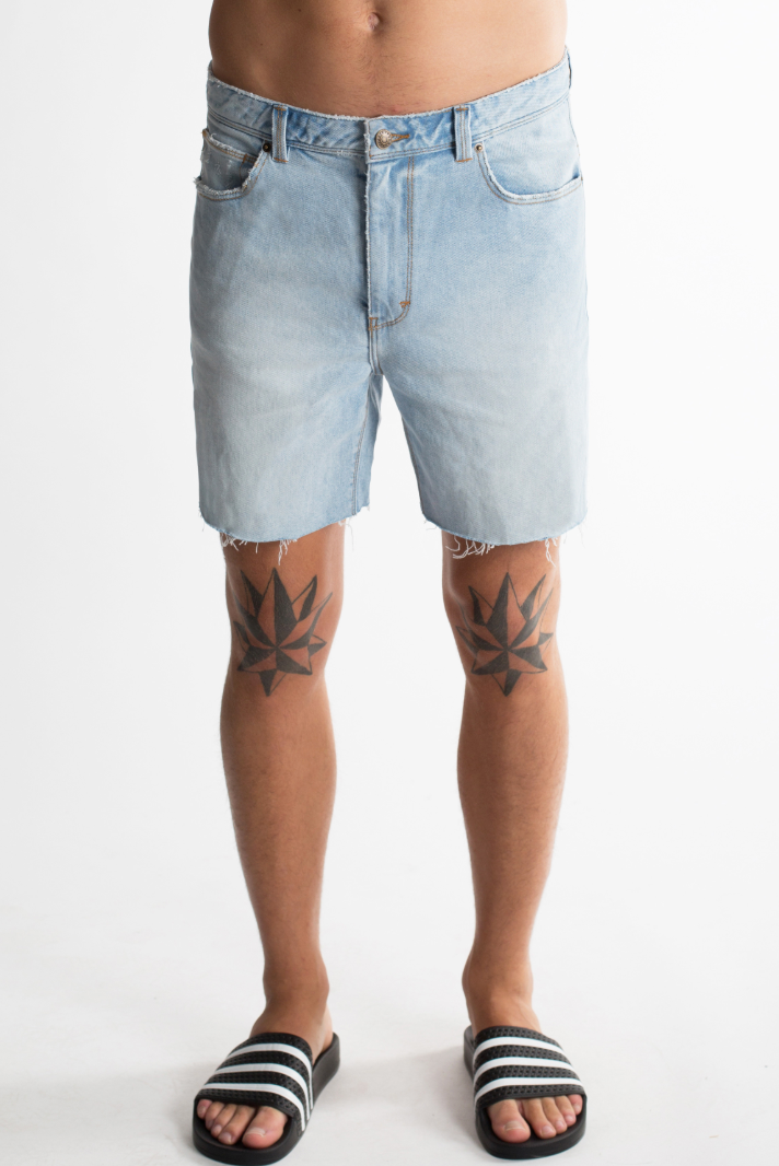 Abrand Cropped Slim Short Broken Sky