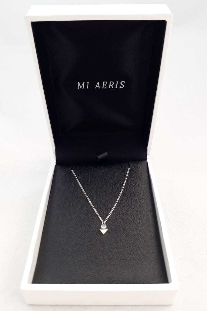 Mi Aeris Arrow Pendant