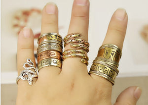 TIBETAN TRI-COLOR COPPER WRAPPED RING - deities