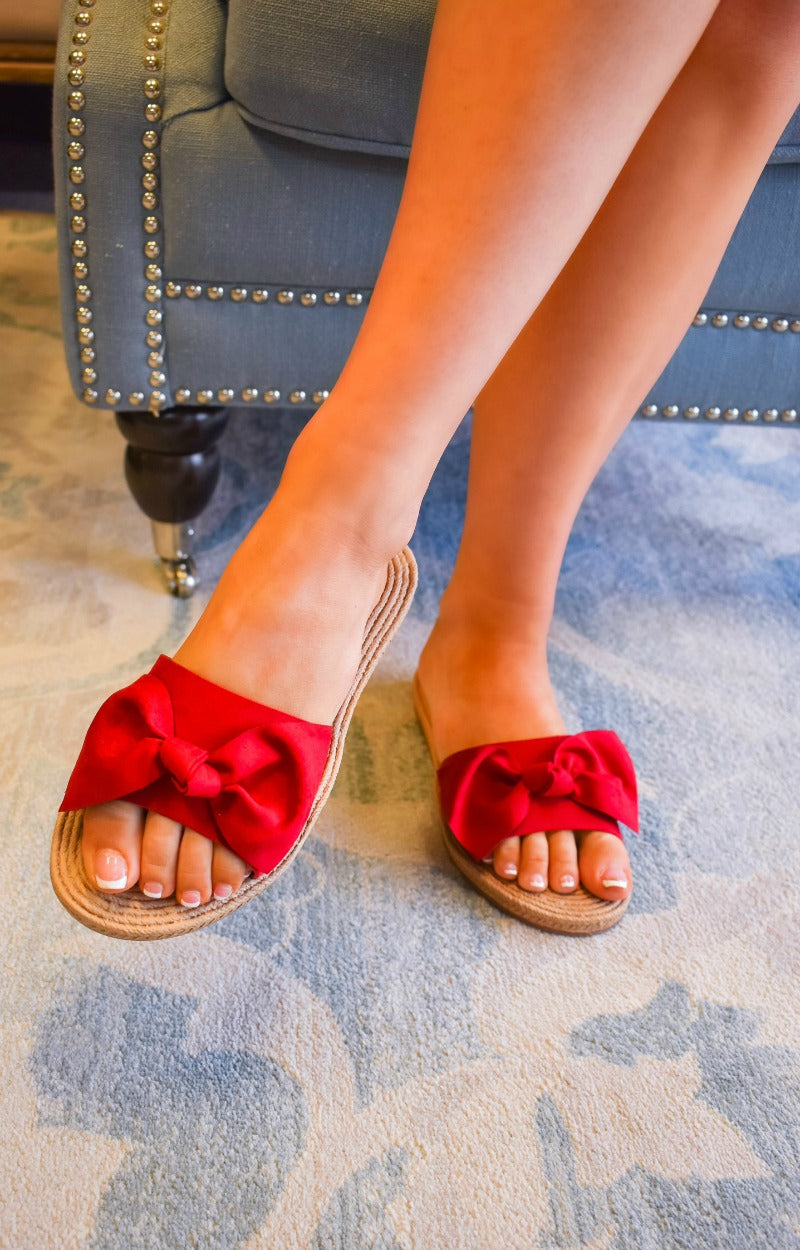 A Moment Alone Sandals - Red