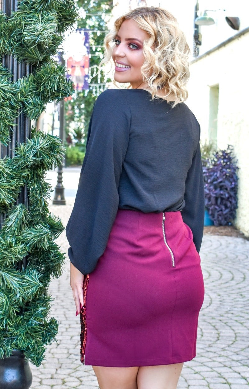Good Distractions Sequin Skirt - Burgundy