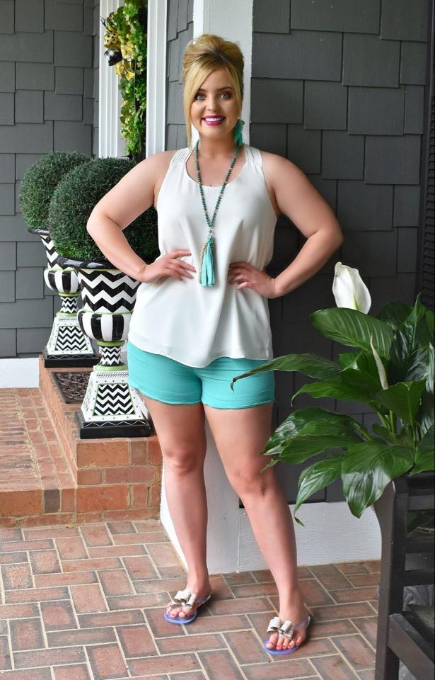 Sweet Smiles Scalloped Shorts - Mint