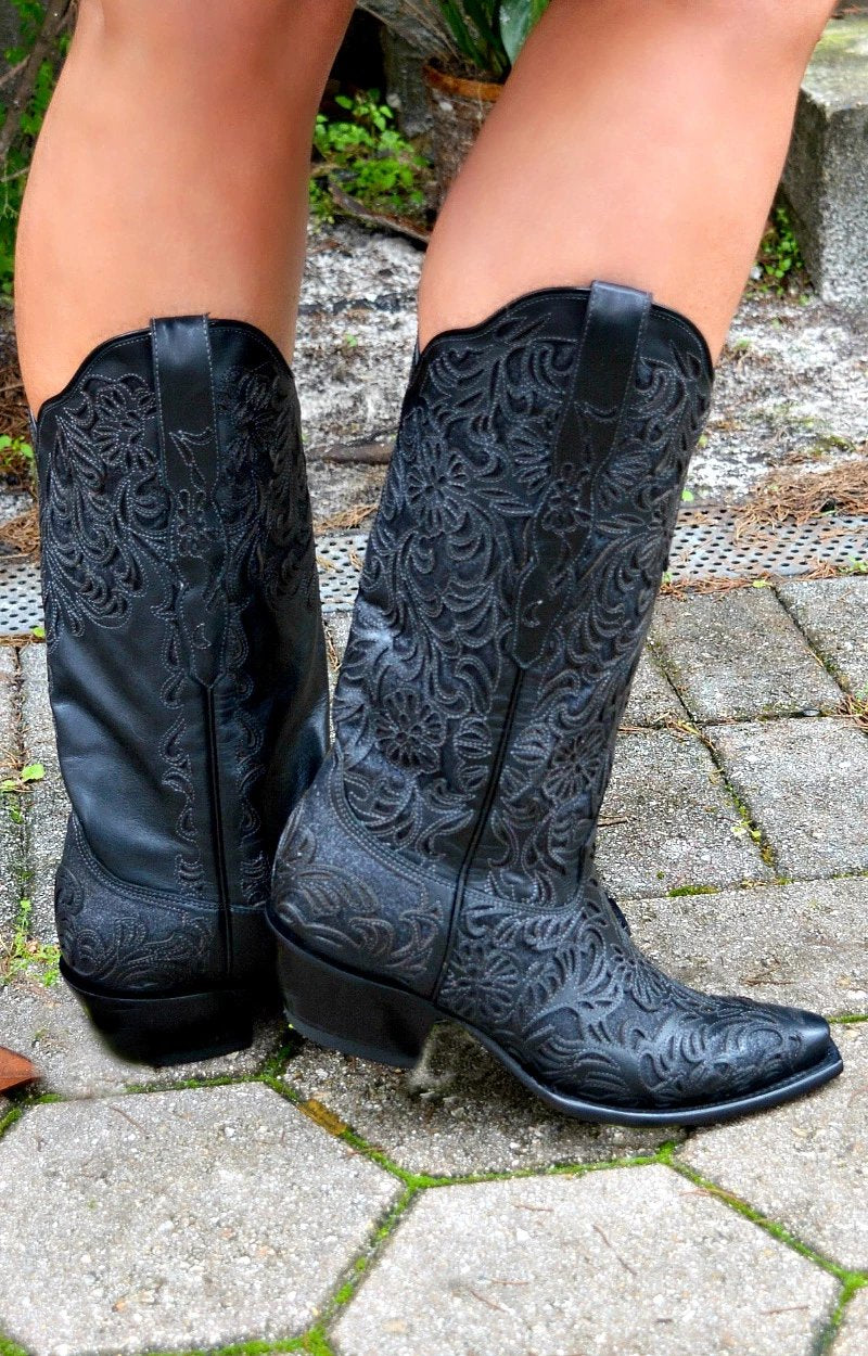 Corral - Full Inlay Snip Toe Boots - Black