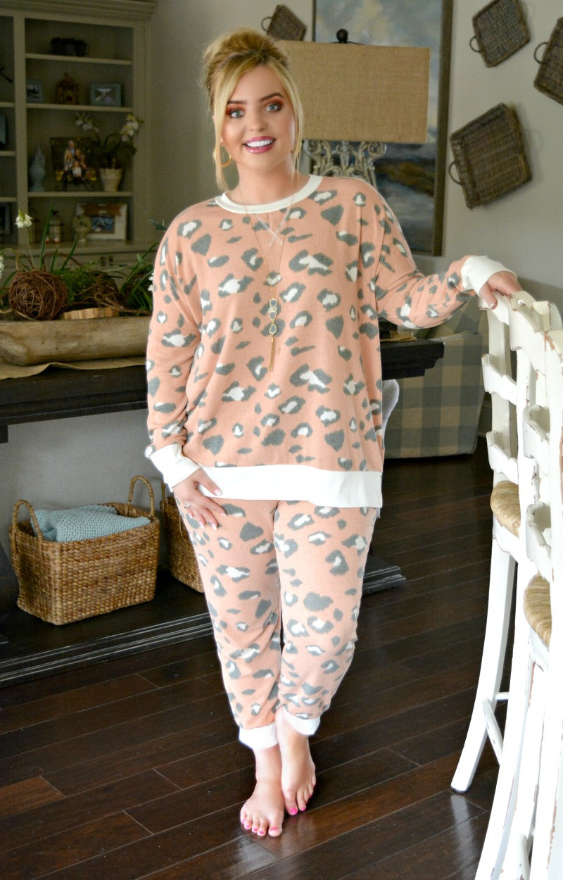 Brag About Me Print Pullover - Peach