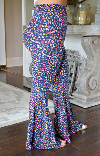 Make A Scene Print Pants - Navy