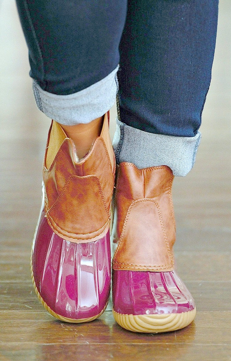 Load image into Gallery viewer, A Drop Of Love Duck Boots - Burgundy