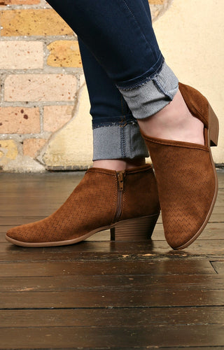 Walk The Floor Booties - Chestnut